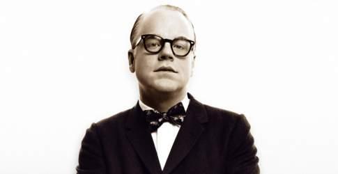 Philip Seymour Hoffman como Truman Capote