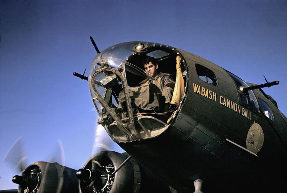Avión americano en la Francia ocupada, por Robert Capa.