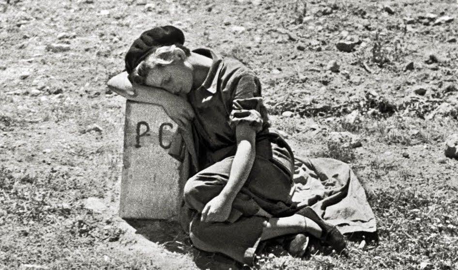 Gerda Taro, fotografiada por Robert Capa, 1937.