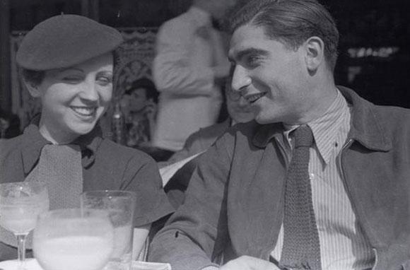 Robert Capa con Gerda Taro, 1935.