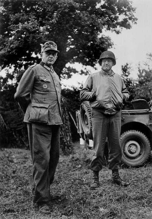 General Von Schlieben fotografiado por Robert Capa en Cherburgo, 1944.
