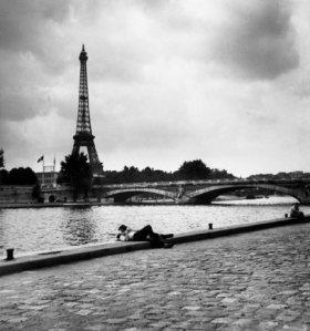 Trabajo de Robert Capa en París