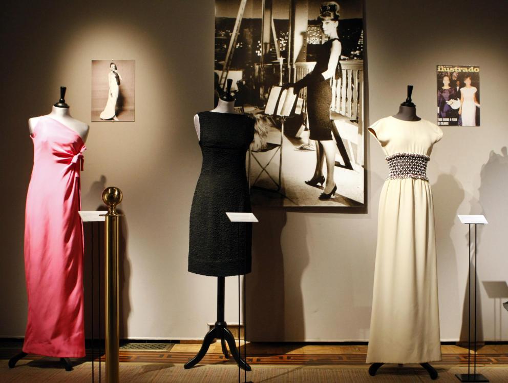 algunos-de-los-vestidos-de-una-exposicion-anterior-dedicada-a-givenchy-gtres
